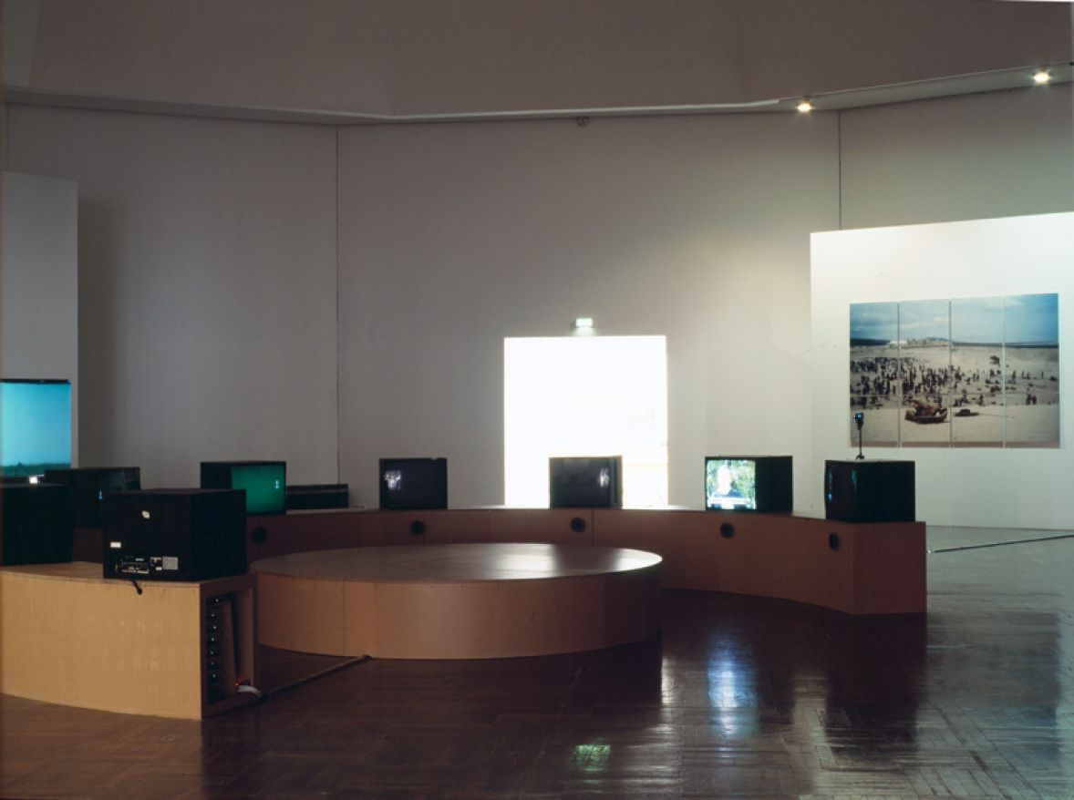 Background Action, 2008, Württembergischer Kunstverein Stuttgart